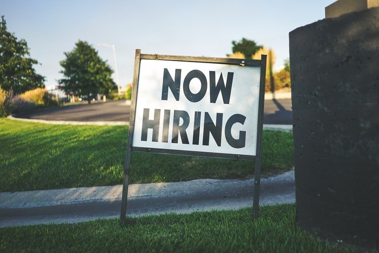 WHEN TO HIRE – BEFORE CHRISTMAS OR WAIT UNTIL THE NEW YEAR?